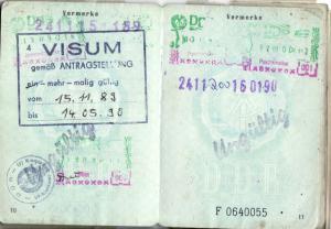 2014-11-05-perso-1990-mit-visum.jpg