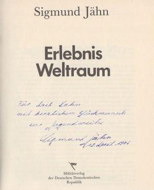 2018-08-25-signatur-sigmund-jaehn-erlebnis-weltraum.jpg