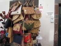 Funchal; Souvenirs: Taschen aus Kork